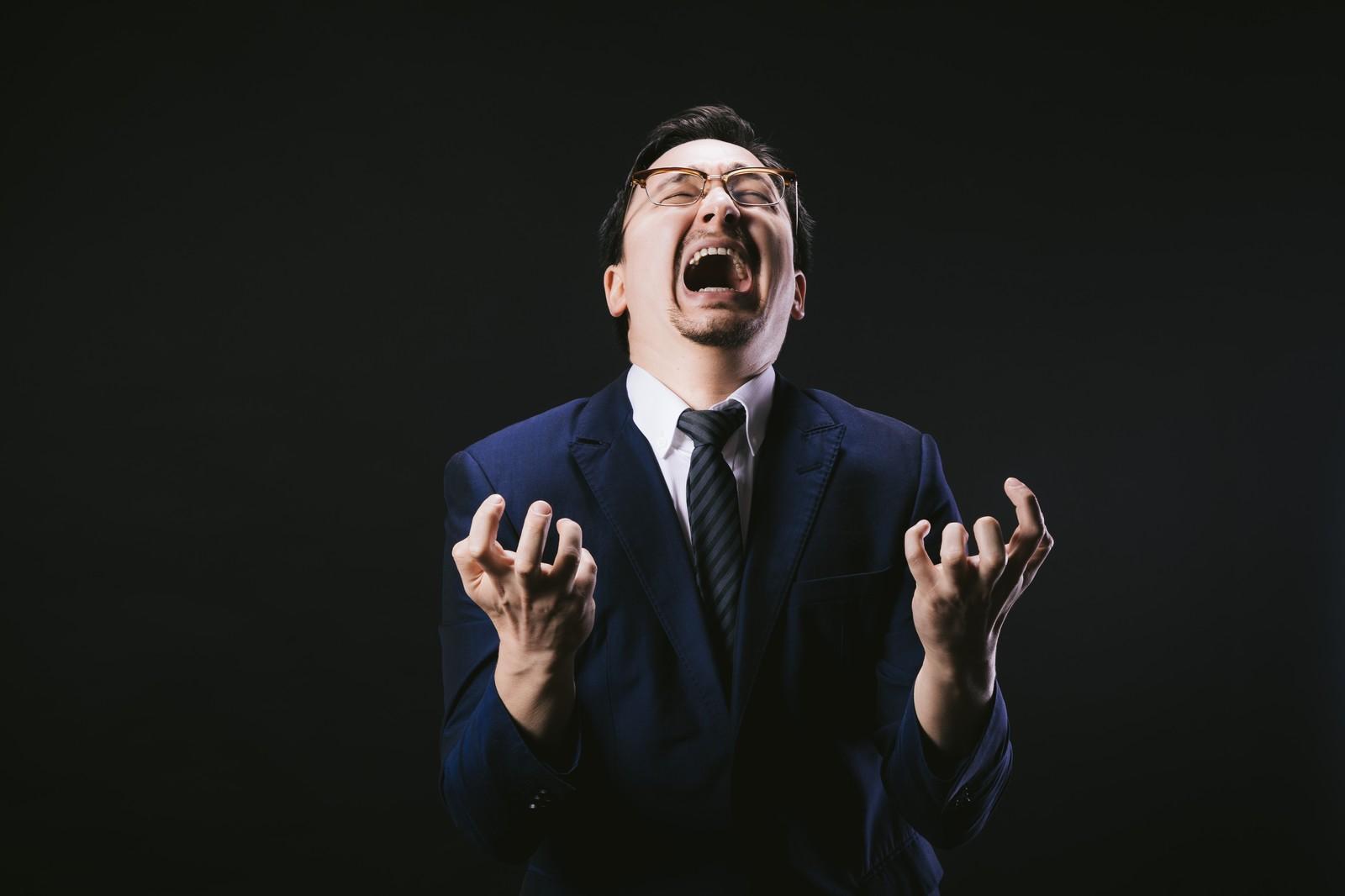 【カラオケ】スクリームの感覚が全く掴めないんですが…どう練習したらいいですか?