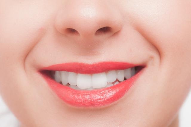 歌が上手い人はなぜ歯並びがキレイなのか?
