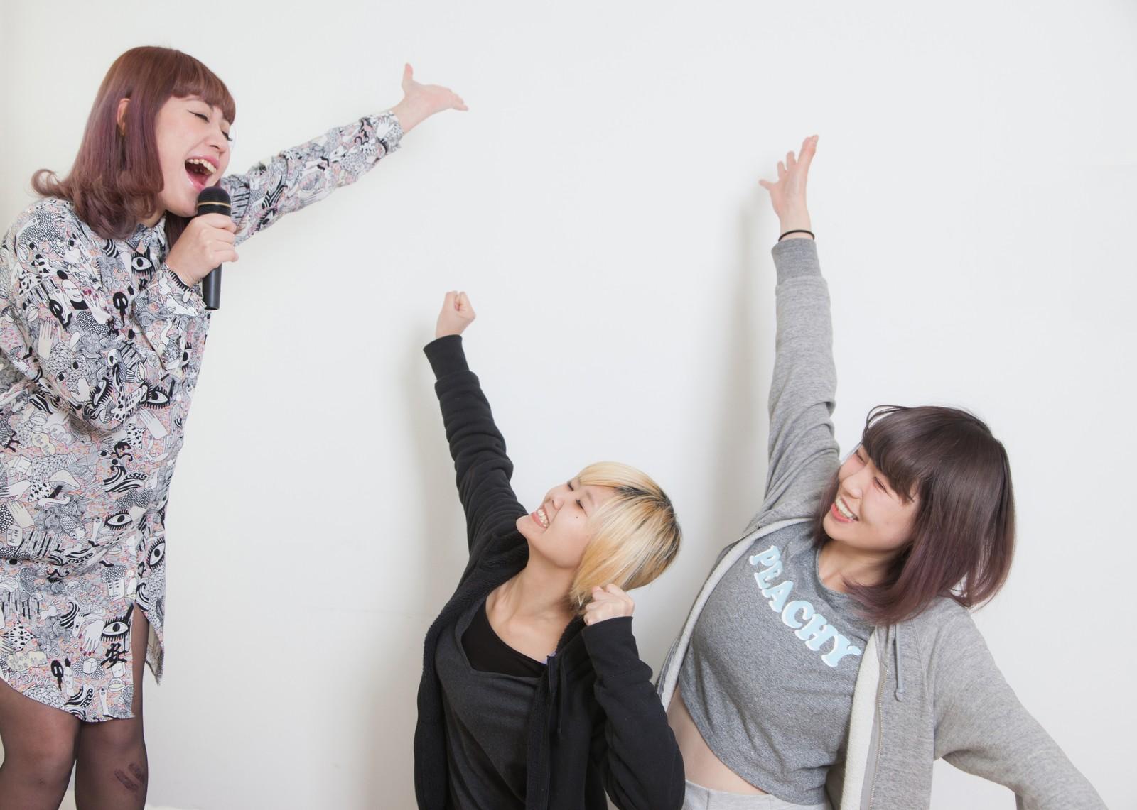 【カラオケ】盛り上がるアニソンを教えてください!!