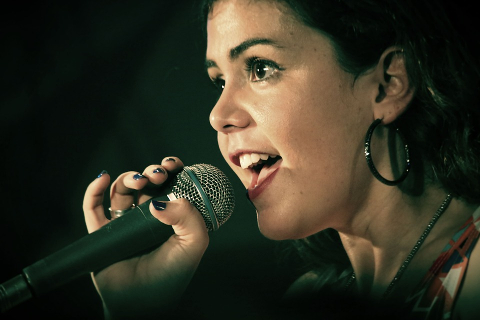 歌がうまい人って歌い始めですぐに分かる。なにが違うんだろうか?